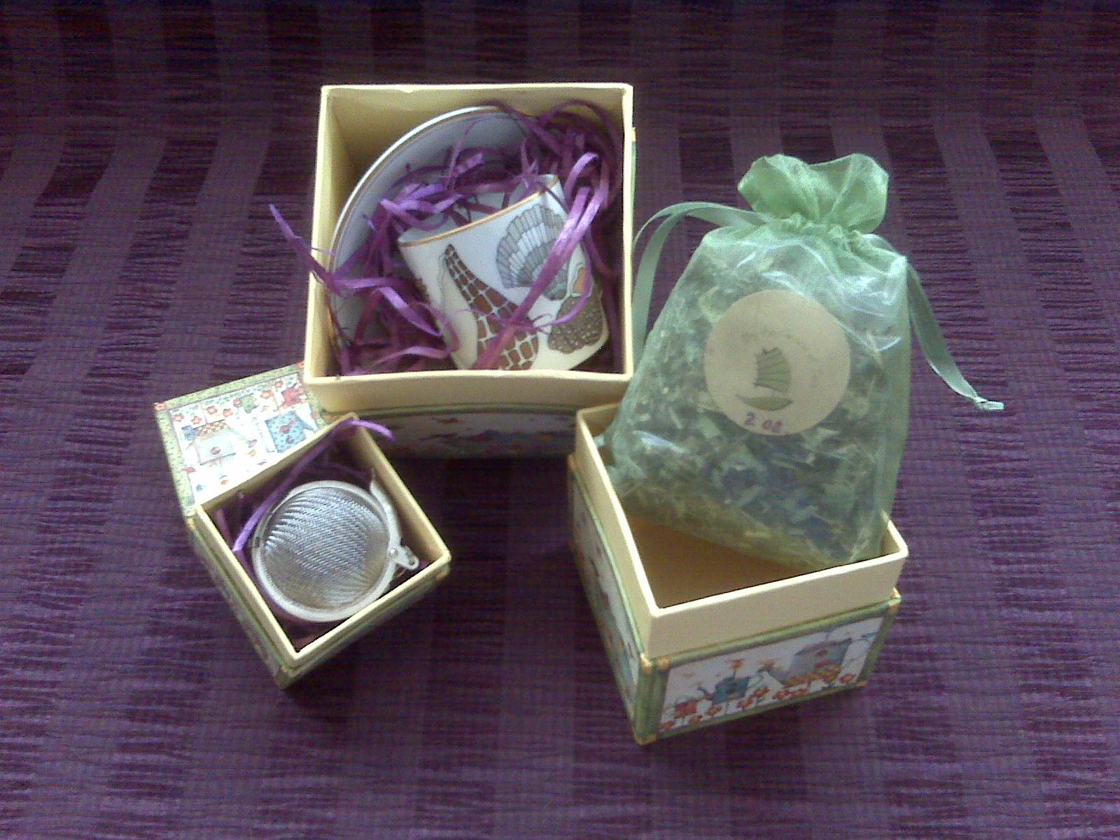 Custom Gift Tea Baskets