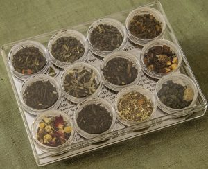 Loose Leaf Teas: white, green, black, pue-rh and oolong.